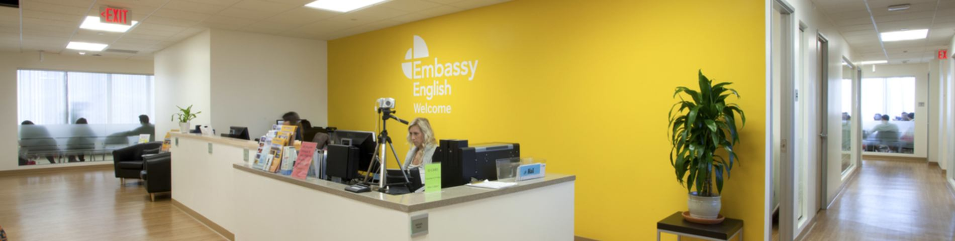 Embassy English kép 1
